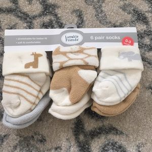 Luvable Friends 6 pack of baby socks